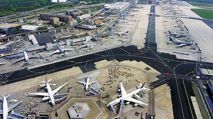 Airport Frankfurt De