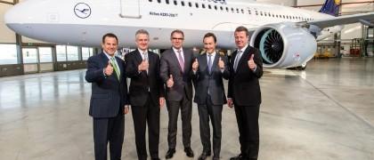 Lufthansa takes first a320neo