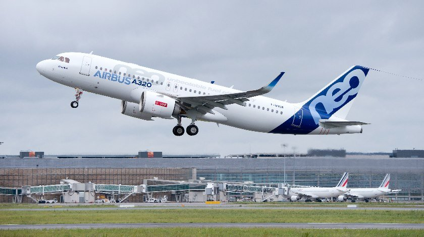 FIRST FLIGHT A320neo CFM TAKE OFF-009