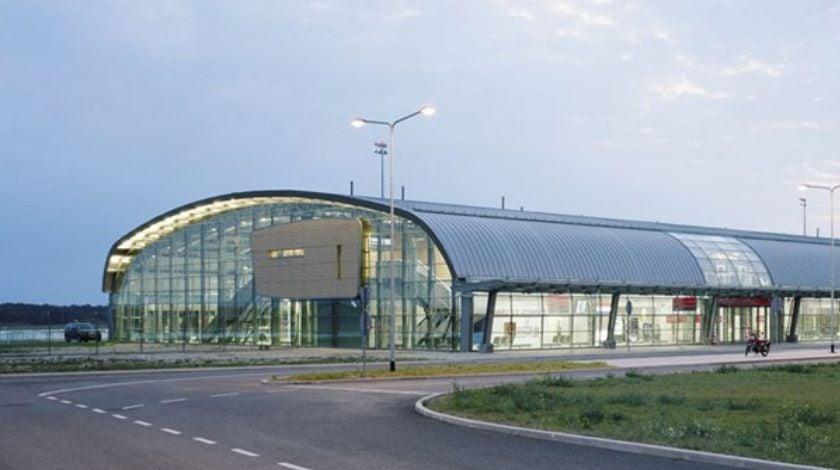 warszaw modlin airport
