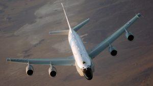 RC-135_Rivet_Joint_Frontal_lg