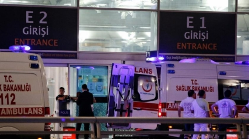 Explosions Hit Turkey's Largest Airport-reuters