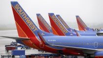 Southwest Airlines cancels more than 450 flights after computer glitch