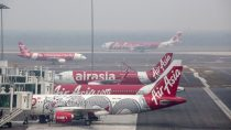 Bomb Threat passengers Evacuated From AirAsia Flight