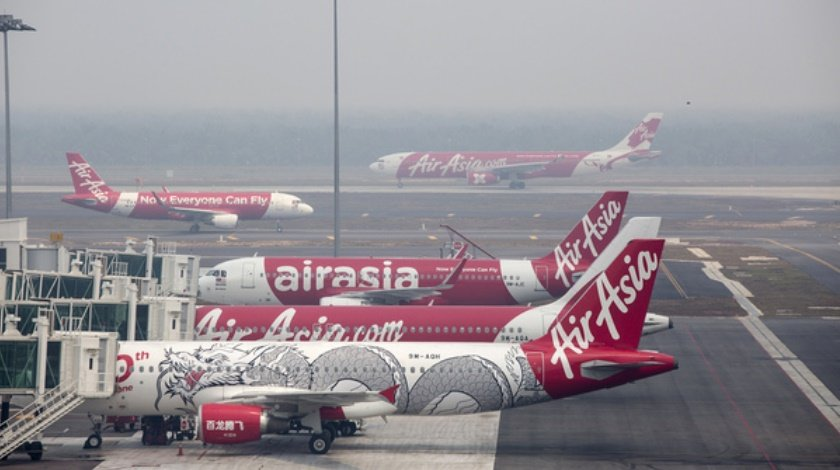 Bomb Threat passengers Evacuated From AirAsia Flight