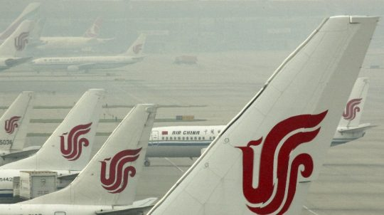 Chinese Airlines Scrambling To Hire Foreign Pilots