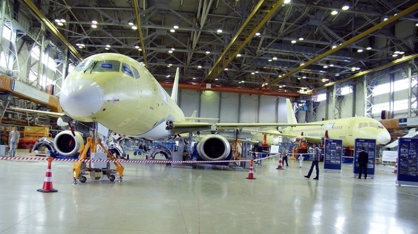 ms-21-irkut-assembly-line-engineeringrussia.wordpress.com