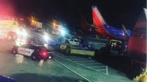 plane-returns-to-lax-after-blowing-tire-on-takeoff