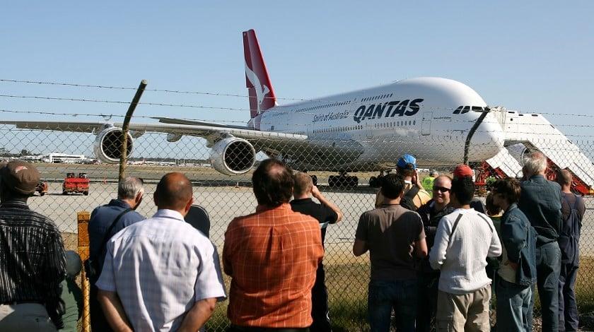 qantas-plane-evacuated-at-perth-airport
