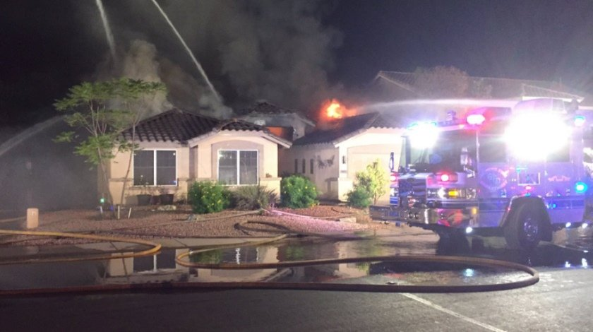 single-engine-plane-crashed-into-a-house-in-glibert-arizona