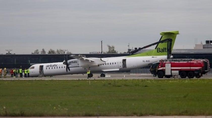 airbaltics-bombardier-q400-emergency-landing-in-riga