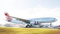 cracked-windscreen-passengers-taken-off-flight-at-dunedin-airport