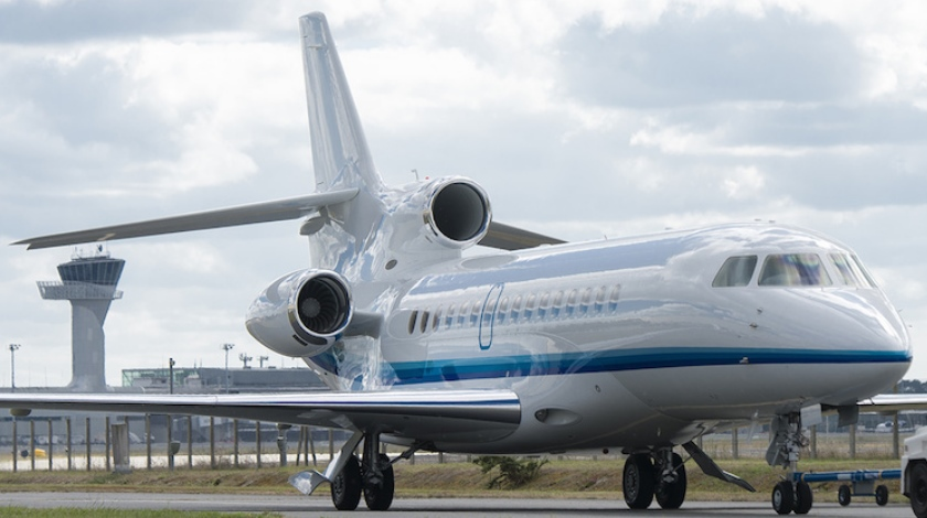 dassault-delivers-first-falcon-8x