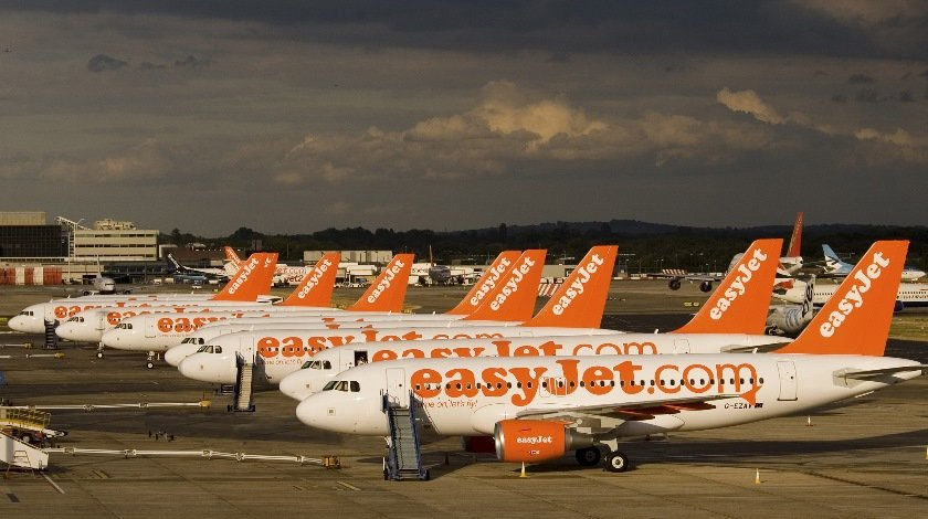 easyjet-shares-drop-7-as-airline-takes-sterling-hit