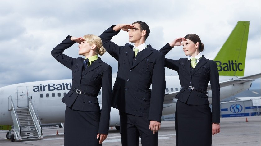 airbaltic_crew
