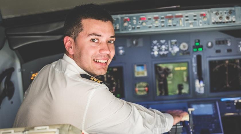 The Perks of Smaller Airlines for Kick-Start of Pilot's Career