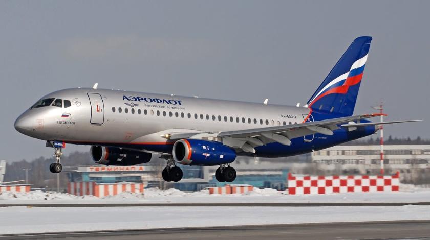 طائرة ركاب روسية جديدة تكمل أولى رحلاتها Aeroflot-Takes-Delivery-of-its-45th-Sukhoi-Superjet-100