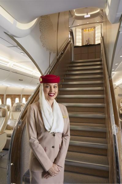 Emirates_Airlines_Premium_Economy_main_staircase