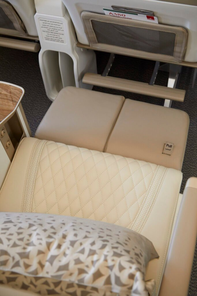 Emirates_Airlines_Premium_Economy_a_seat_with_a_footrest