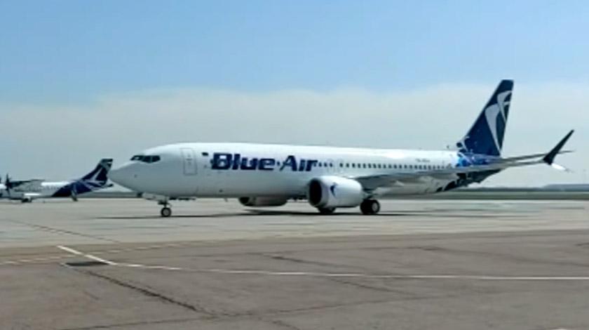blue air boeing 737 MAX 8
