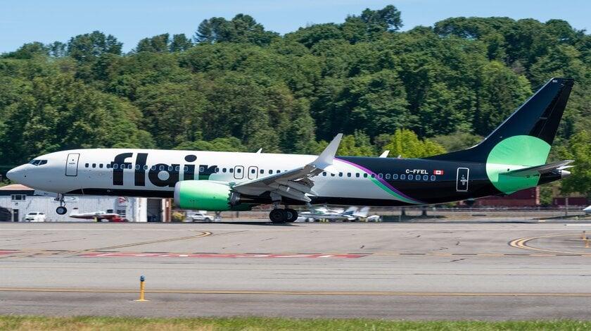 Flair Boeing 737 MAX 8